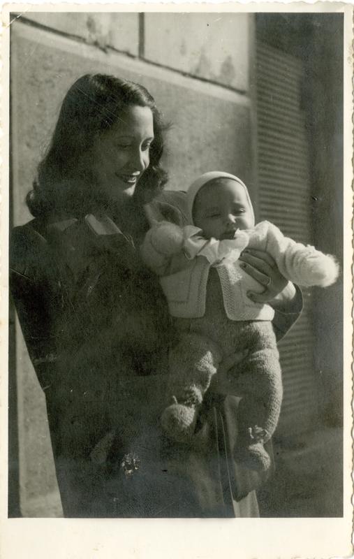 Adriano de Rota Neva de Rota con la figlia Marisa 1944-45 F189853