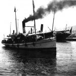 Hektor Antoniazzo , Molo san Carlo e piroscafo costiero Zaule, ottobre 1902 F12622