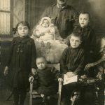 Costante Ravalico con i figli Gioconda, Stelio, Tino e Silvano