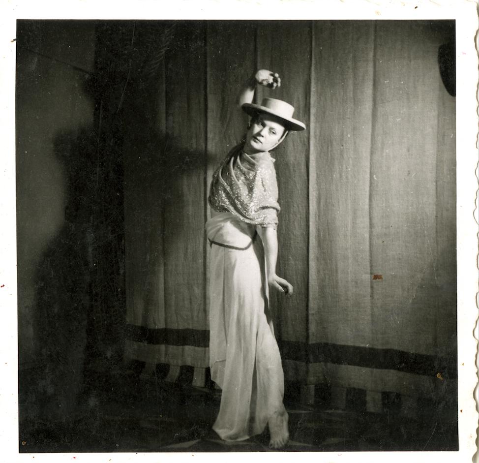 Marion Wulz, Wanda Wulz con completo di carnevale di Anita Pittoni, [1937?]