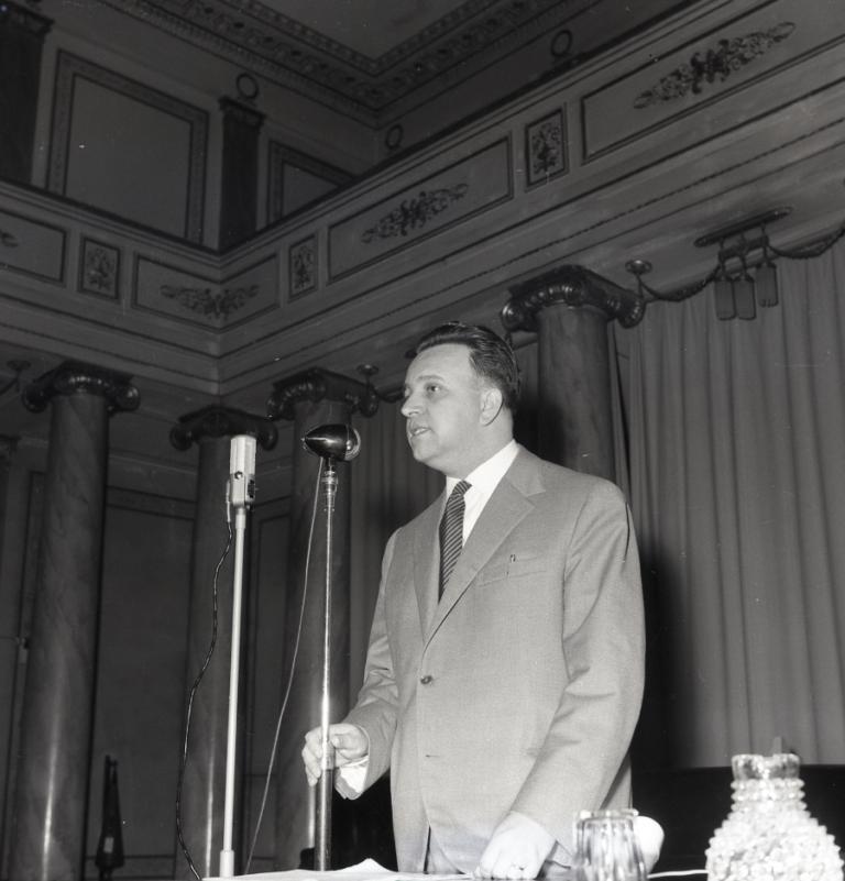 Giornalfoto, Conferenza su Elia Kazan e l'Actor Studio al CCA: Tino Ranieri, 1958, GF NP 12028_003