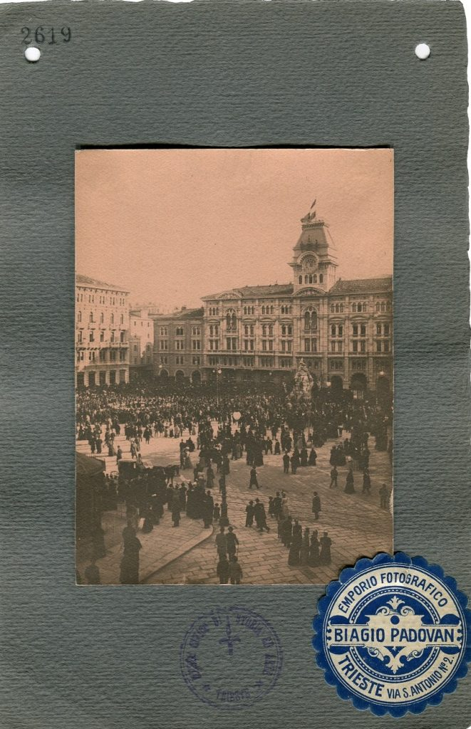Biagio Padovan La banda musicale in Piazza Grande: domenica di Pasqua, 1908, F2619