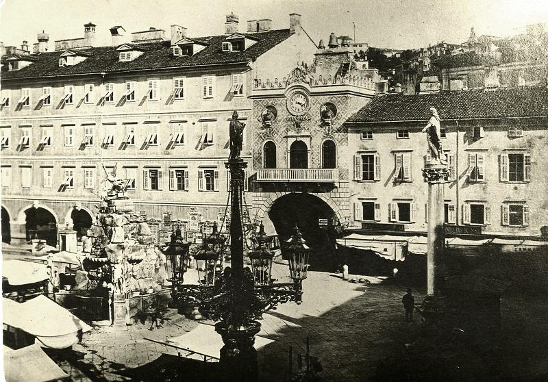 Anna Scrinzi, Piazza Grande scattata alle ore 16.18 di martedì 2 maggio 1871