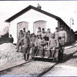 Gruppo di soldati austriaci alla stazione ferroviaria di Nabresina